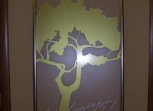Оформление интерьера, стекло с аппликацией